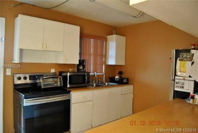 North Miami Beach Condo For Sale: 1470 NE 151 St #101