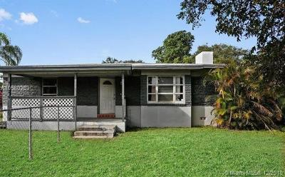 Oakland Park Single Family Home For Sale: 3281 NE 6th Ave