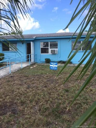 Riviera Beach Single Family Home For Sale: 370 W 29th St