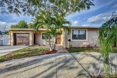 West Palm Beach Single Family Home For Sale: 2627 Palm Rd