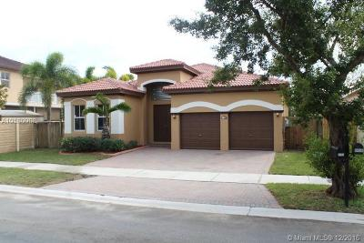 Hialeah Single Family Home For Sale: 8792 NW 179th Ln