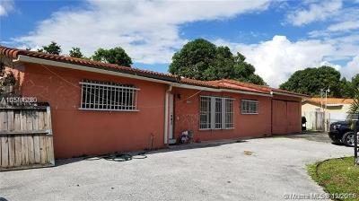 Hialeah Single Family Home For Sale: 7180 W 9th Ct