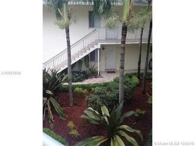 Fort Lauderdale Condo For Sale: 1444 Windsor Ct #6