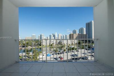 Sunny Isles Beach Condo For Sale: 300 Bayview Dr #611
