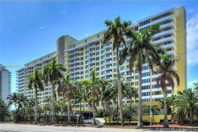 Miami Beach Condo For Sale: 5600 Collins Ave #17T