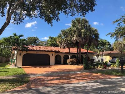 Miami Lakes Single Family Home For Sale: 6361 Hutchinson Rd