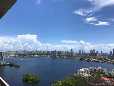 North Miami Beach Condo For Sale: 16385 Biscayne Blvd #2319