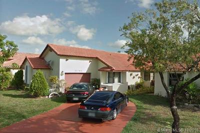 Pembroke Pines Single Family Home For Sale: 11341 SW 8th Pl