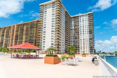 Sunny Isles Beach Condo For Sale: 301 174th St #2104