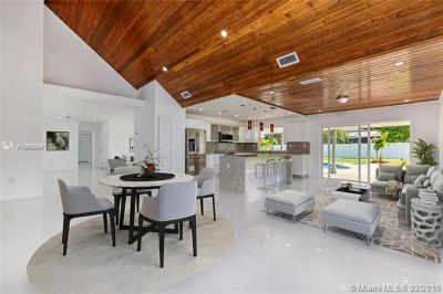 Miami Single Family Home For Sale: 13561 SW 98th Pl