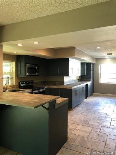 Deerfield Beach Single Family Home For Sale: 1431 SW 3rd Terrace