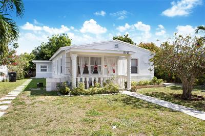 North Miami Beach Single Family Home For Sale: 15521 NE 15th Pl