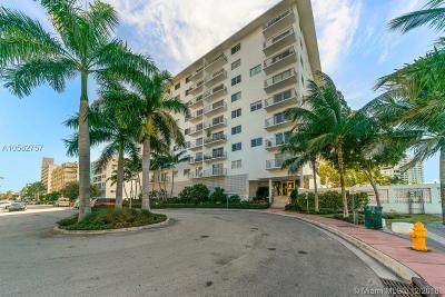 Miami Beach Condo For Sale: 1450 Lincoln Rd #407