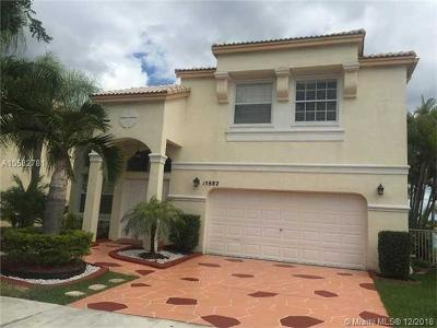 Pembroke Pines Single Family Home For Sale: 15882 NW 14th Manor