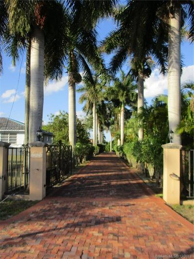 Miami Single Family Home For Sale: 13925 SW 30th St