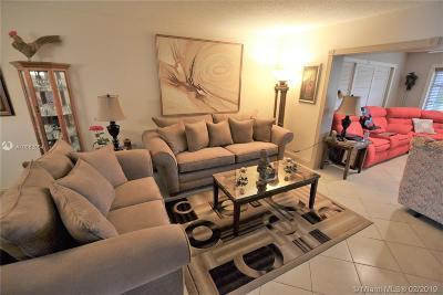 Palm Beach County Condo For Sale: 5730 E Fernley Dr #58