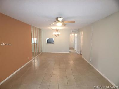 Margate Condo For Sale: 3170 Holiday Springs Blvd #6-305