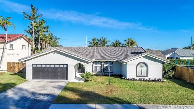 Cutler Bay Single Family Home For Sale: 8461 SW 198th St