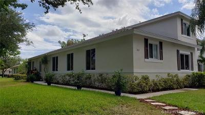 Deerfield Beach Single Family Home For Sale: 823 NW 42 Place