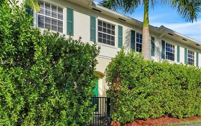 Pompano Beach Condo For Sale: 276 SW 7th Ct