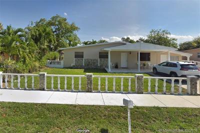 West Park Single Family Home For Sale: 3860 SW 31st St