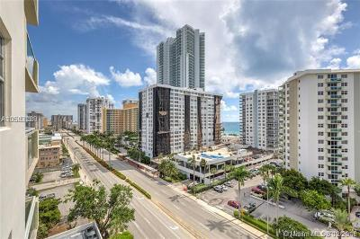 Hollywood Condo For Sale: 3000 S Ocean Dr #1400