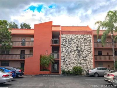 Margate Condo For Sale: 3180 Holiday Springs Blvd #5-208