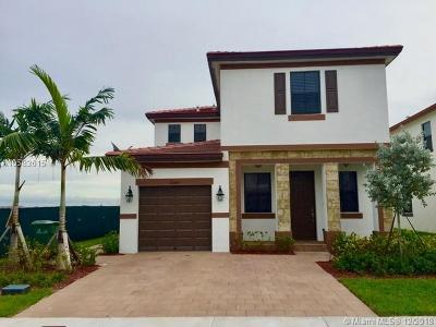 Hialeah Single Family Home For Sale: 10349 W 35th Ln