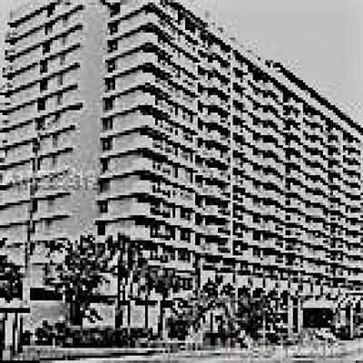 Miami Beach Condo For Sale: 5601 Collins Ave #1021