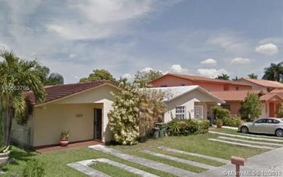 Hialeah Single Family Home For Sale: 1323 W 42nd St