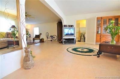 West Palm Beach Condo For Sale: 2886 Fernley Dr E #11