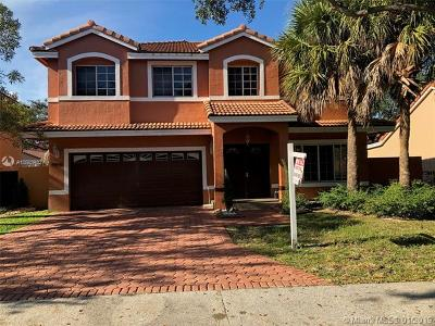 Hialeah Single Family Home For Sale: 8950 NW 189th Ter