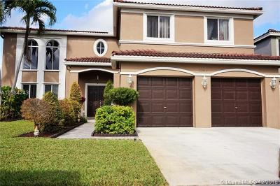 Broward County Single Family Home For Sale: 10713 SW 14th Pl