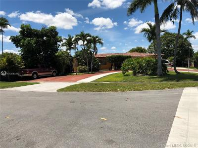 Hialeah Single Family Home For Sale: 210 W 53rd St
