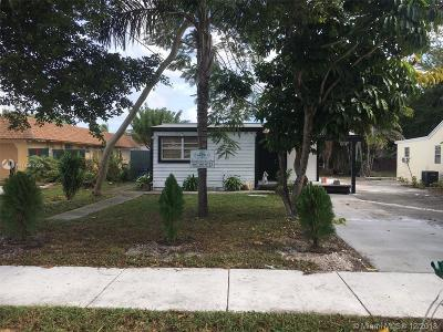 Davie Single Family Home For Sale: 4240 SW 63rd Ave