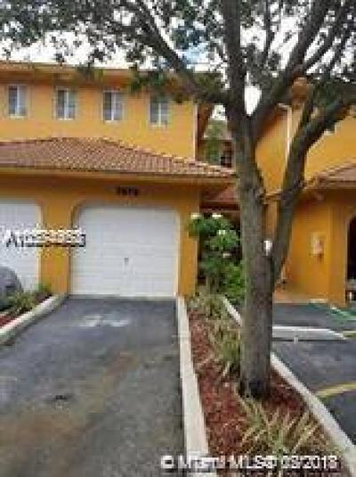 Hialeah Condo For Sale: 7579 NW 174th Ter #7579