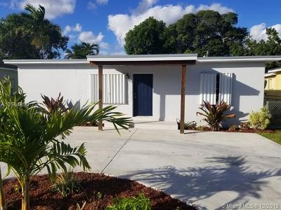 Hialeah Single Family Home For Sale: 451 E 55th St