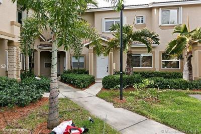 Miami-Dade County Condo For Sale: 2236 SE 26th Ln #2236-1