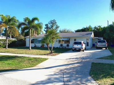 North Palm Beach Single Family Home For Sale: 917 Eucalyptus Rd