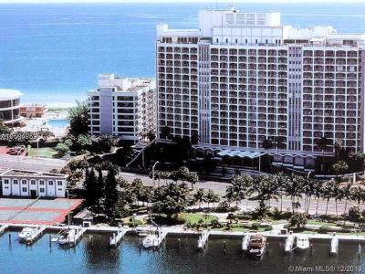 Miami-Dade County Condo For Sale: 5401 Collins Ave #620
