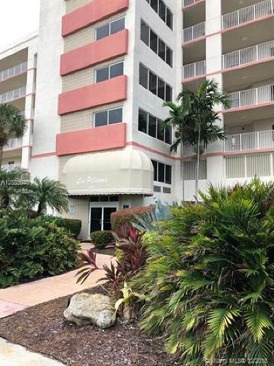 Miami-Dade County Condo For Sale: 18260 N Bay Rd #302