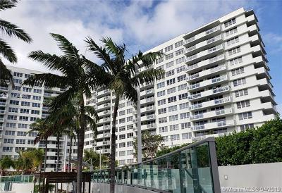 Flamingo, Flamingo South Beach, Flamingo South Beach Co., Flamingo Condo, Flamingo South Beach Cond, Flamingo South Beach I, Flamingo South Beach I Co Rental For Rent: 1500 Bay Rd #768S
