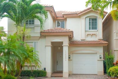Doral Single Family Home For Sale: 11361 NW 73rd Ter