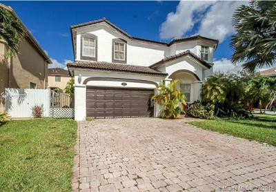 Miami Single Family Home For Sale: 14533 SW 11th St
