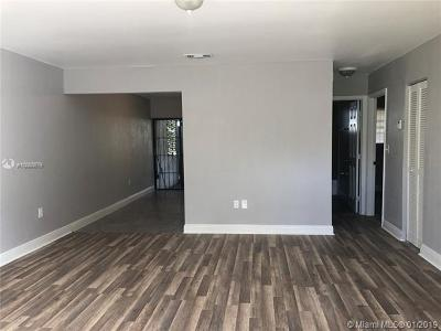 North Miami Condo For Sale: 13963 NE 3rd Ct #D2