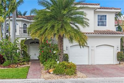 Hollywood Single Family Home For Sale: 987 Captiva Dr