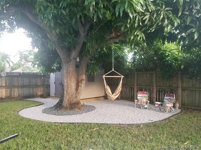 Pompano Beach Single Family Home For Sale: 1040 NE 23 Pl