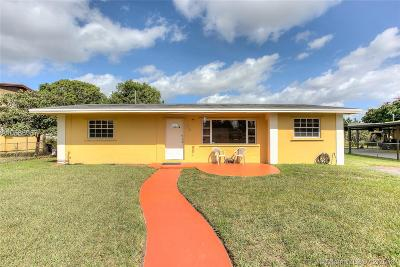 Miami Gardens Single Family Home For Sale: 3835 NW 185th Ter