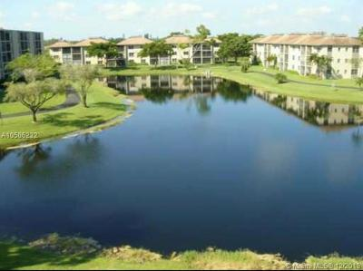 Broward County Condo For Sale: 7960 NW 50th St #102
