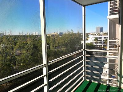 Miami-Dade County Condo For Sale: 3660 NE 166th St #707